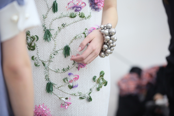 Chanel-spring-summer-2013-ready-to-wear-backstage-photos-02