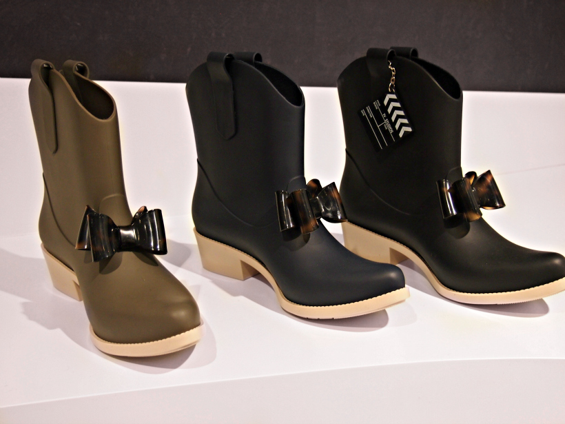 Melissa boot bow