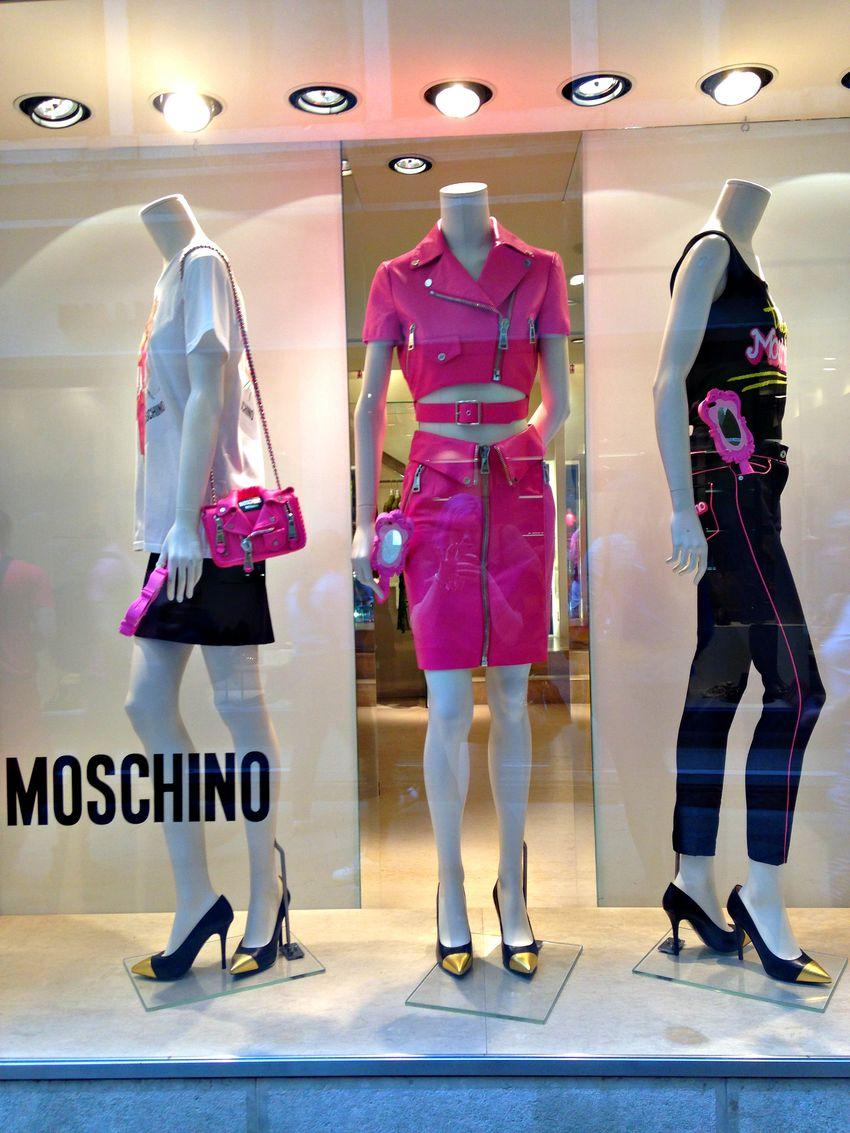 Moschino barbie collection venezia store shopping venice