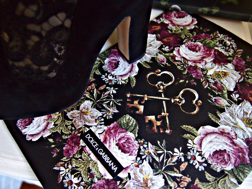 Dolce and gabbana flower floral lace heels campaign
